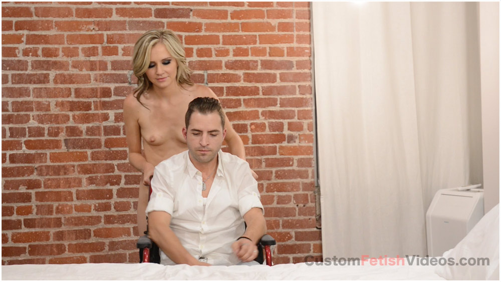 stepmomsex-sexy-blonde-nude-arse