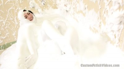 Custom Fetish Video - Kym wet and messy shaving cream