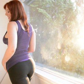 Yoga Pants Fetish - Lauren masturbates in yoga pants and a tank top