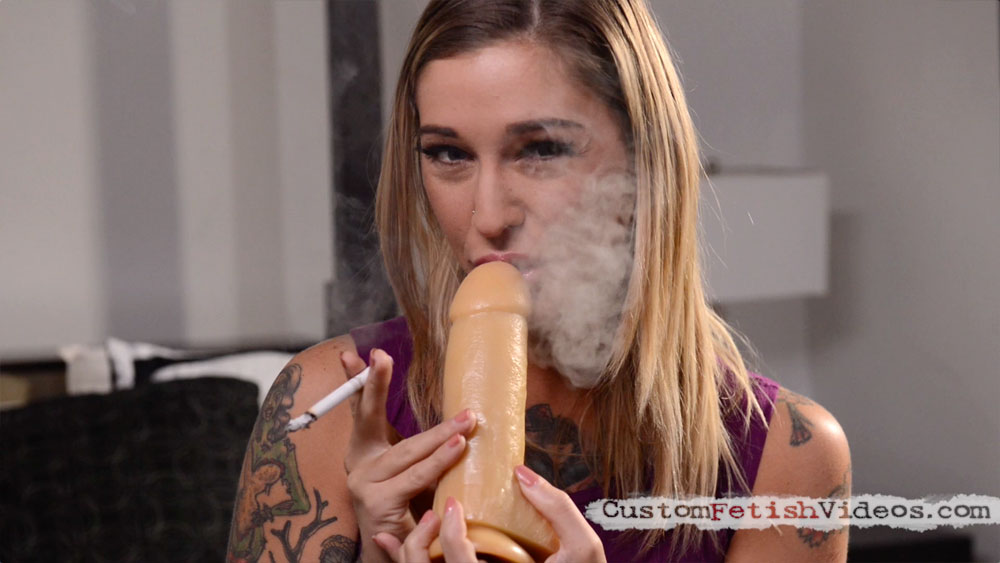 Smoking dildo video