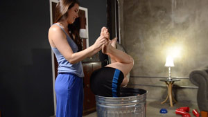 Kymberly Jane and Casey Calvert foot tickling fetish